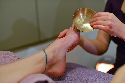 Reflexology Foot Massage with Kansu Bowl